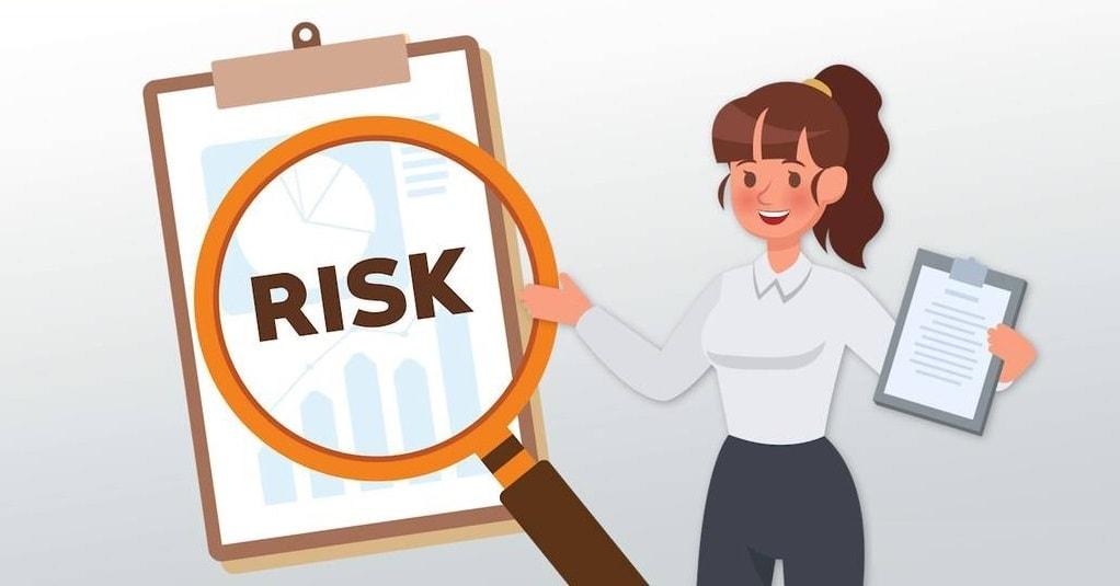 Identifique os riscos e prepare um plano adicional